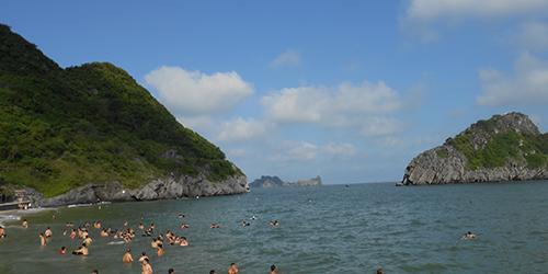 Du lịch biển: Tour du lịch đảo Cát Bà 3 ngày giá rẻ