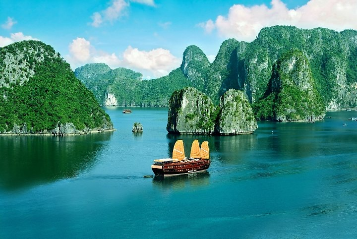 Du lịch Hạ Long – Du ngoạn Vịnh Hạ Long trên tàu 3 sao
