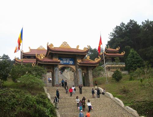 Du lich lễ hội: Tour Thiền Viện Trúc Lâm Tây Thiên – Tam Đảo 1 ngày