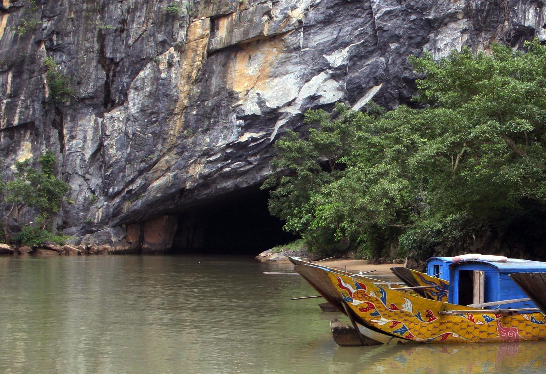 Du lịch miền Trung: Hà Nội – Cố Đô Huế – Động Phong Nha 4 ngày
