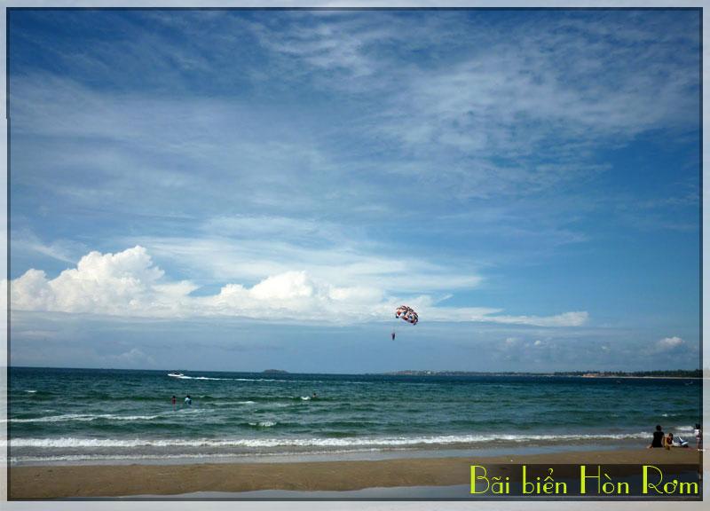 Bãi biển Hòn Rơm