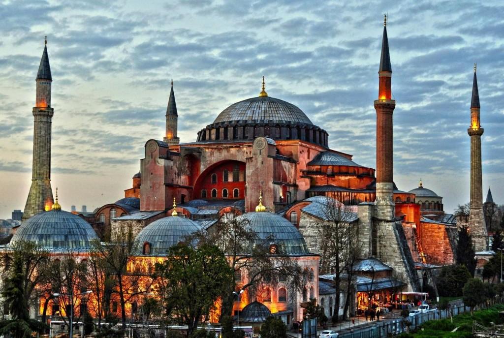 Nét kiến trúc cổ kính nổi bật ở Istanbul