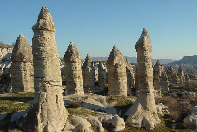 Những cây nấm đá kỳ lạ tạo nên khung cảnh độc đáo