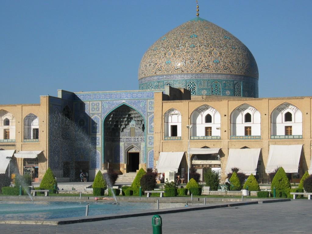 thanh-duong-hoi-giao-Sheikh-Lotfollah-o-Iran