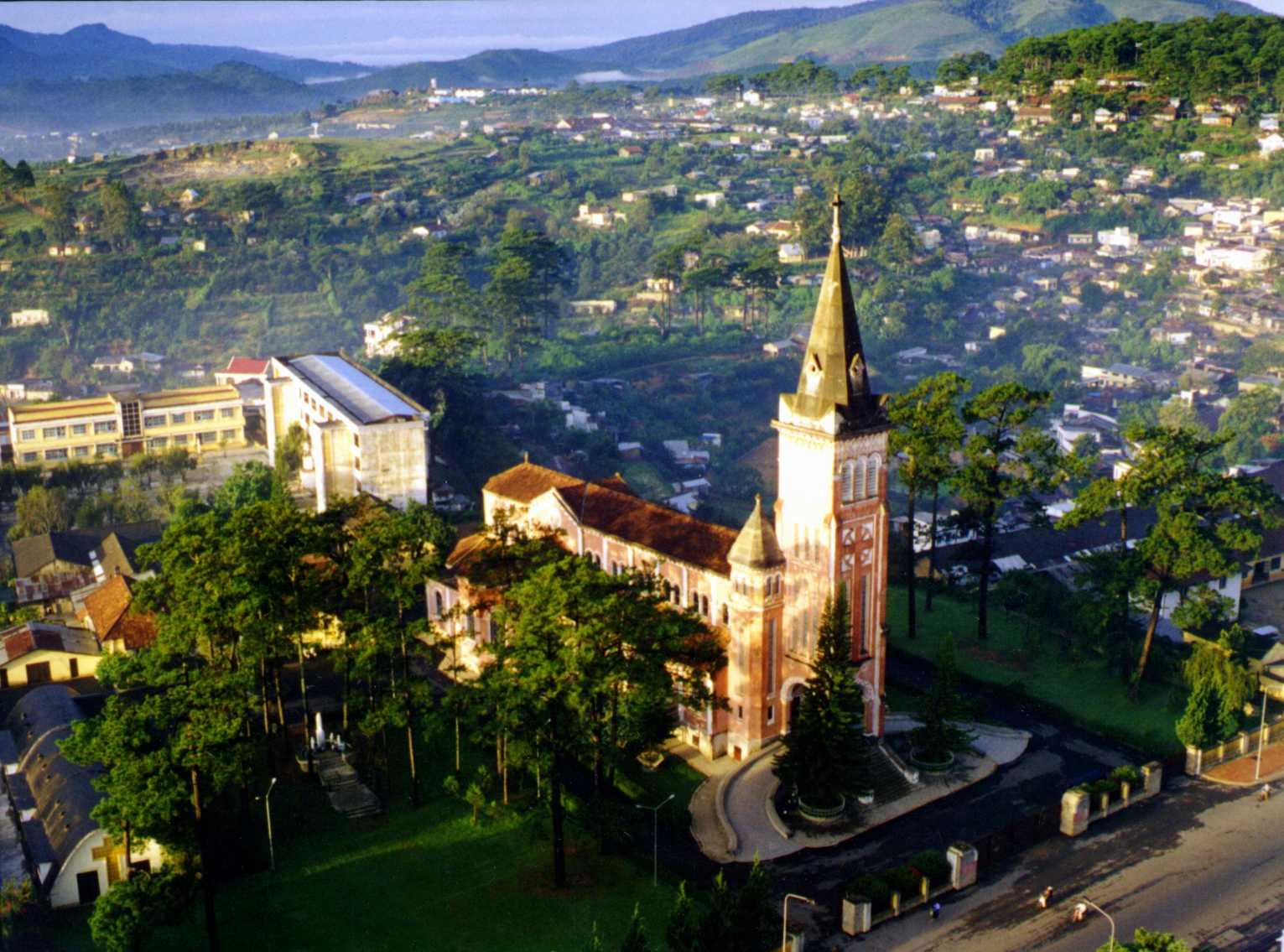 Tour du lịch xuyên Việt 5 ngày giá rẻ