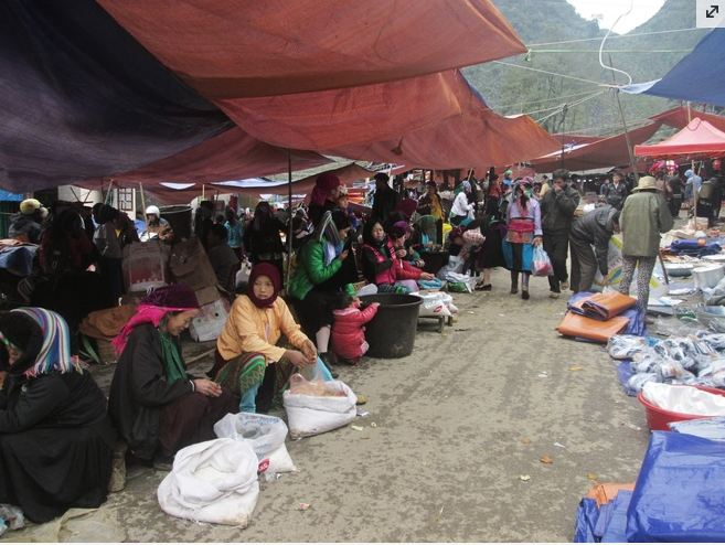"""Trải nghiệm """"chợ lùi"""" Sà Phìn độc đáo ở Hà Giang"""